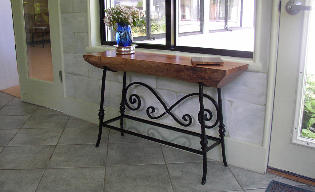 Custom Iron Table Stand